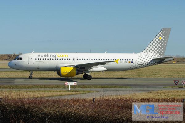 20.04.2013 EC-HTD Vueling A320-214