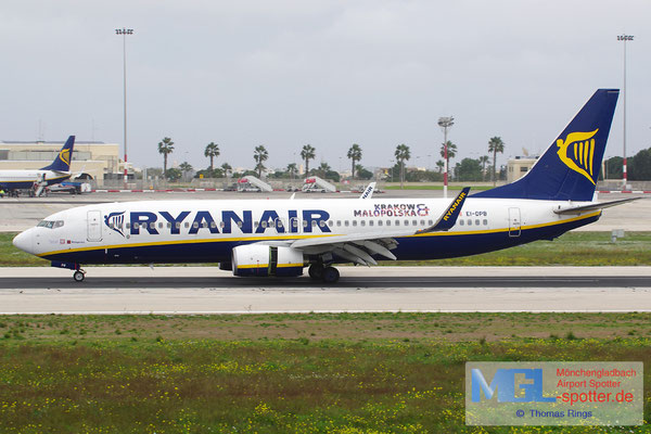 24.12.2013 EI-DPB Ryanair B737-8AS/W