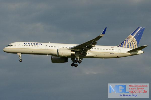 15.07.2012 N19141 United B757-224/W