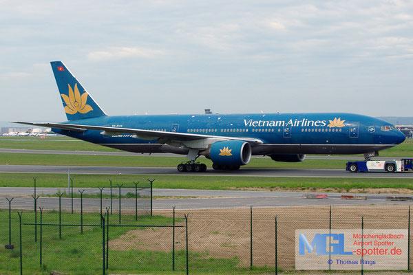 19.05.2013 VN-A144 Vietnam Airlines B777-26KER