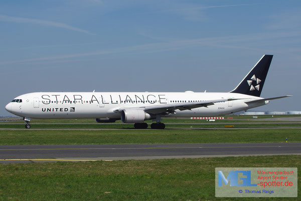 09.04.2015 N76055 United / Star Alliance B767-424ER