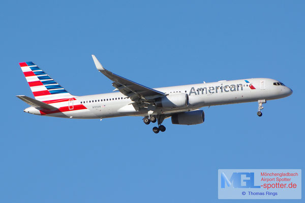 05.04.2015 N199AN American Airlines B757-223/W