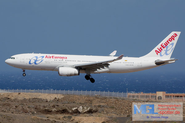 08.07.2014 EC-LQO Air Europa A330-243