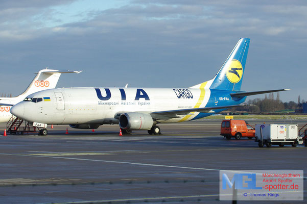 17.03.2013 UR-FAA UIA Cargo B737-3Y0BDSF