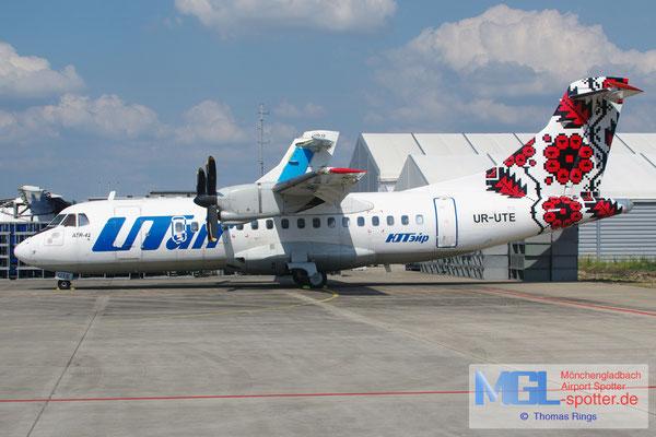 27.06.2015 UR-UTE UTair Ukraine ATR 42-300 cn057