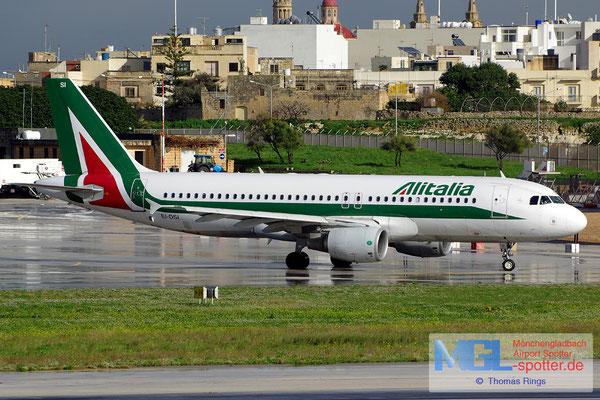 27.12.2013 EI-DSI Alitalia A320-216
