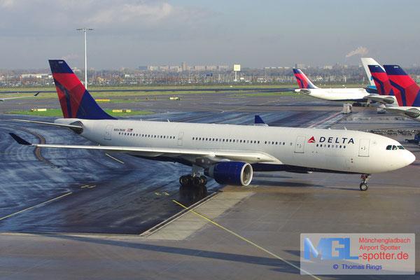 11.11.2012 N861NW Delta A330-223