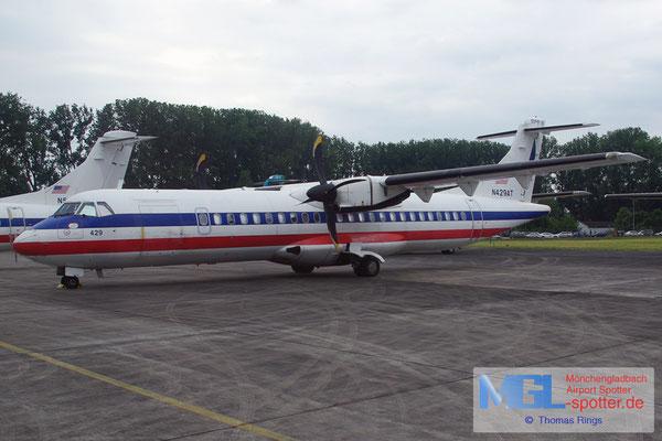 09.06.2013 N429AT (American Eagle) ATR 72-212 cn429