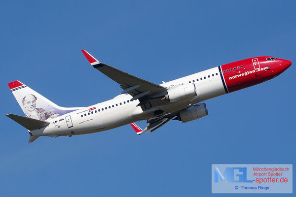 22.07.2014 LN-NIA Norwegian B737-8JP/W