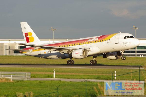 02.11.2013 EC-IEF Iberia A320-214