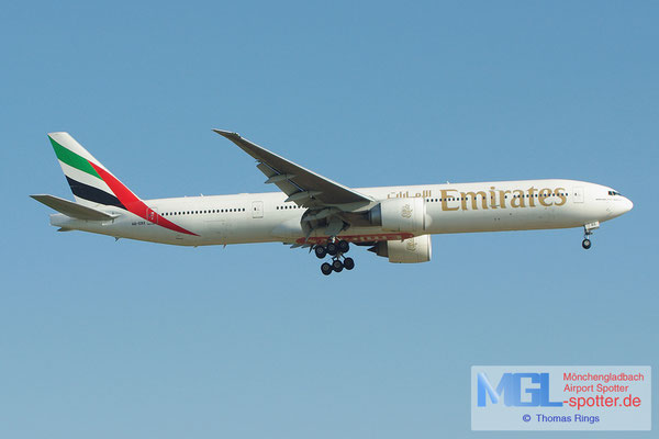19.05.2013 A6-EBX Emirates B777-31HER