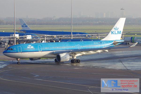 11.11.2012 PH-AOC KLM A330-203