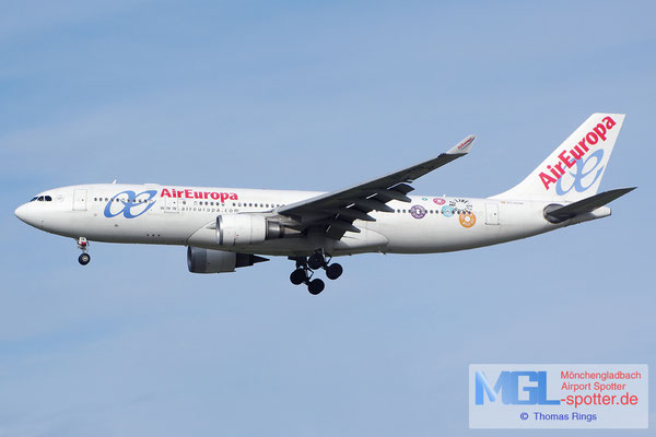 03.04.2015 EC-KOM Air Europa A330-202