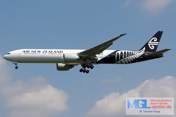 21.06.2014 ZK-OKR Air New Zealand B777-319ER