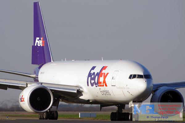 10.04.2015 N854FD FedEx B777-FS2