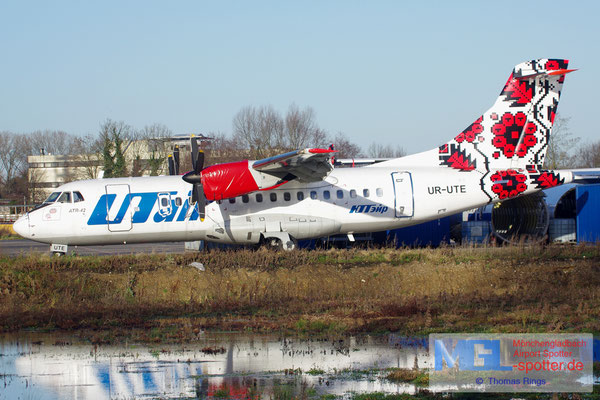08.01.2016 UR-UTE UTair Ukraine ATR 42-300 cn057