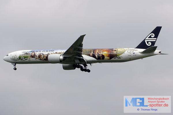 19.06.2014 ZK-OKP Air New Zealnad / The Hobbit B777-319ER