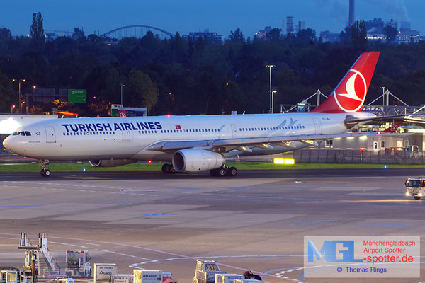 17.10.2014 TC-JNJ Turkish Airlines A330-343