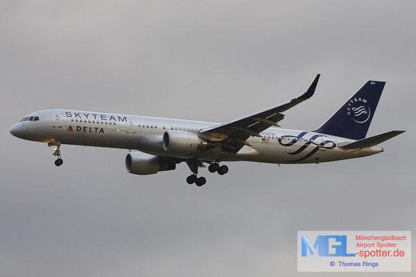 08.10.2011 N722TW Delta / Skyteam B757-231/W