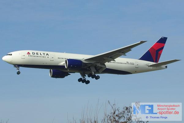17.02.2013 N867DA Delta B777-232ER