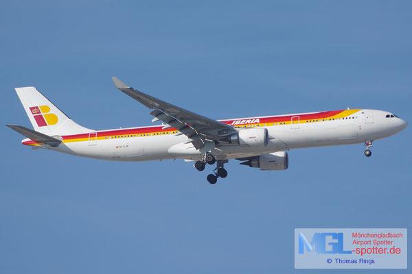 06.04.2015 EC-LXK Iberia A330-302
