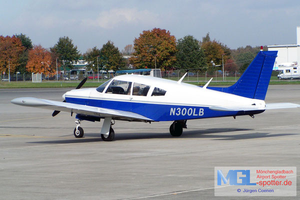 26.10.2004 N300LB Piper PA-28R-200 Cherokee Arrow B