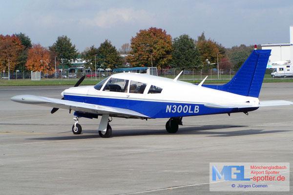 26.10.2004 N300LB Piper PA-28R-200 Cherokee Arrow B