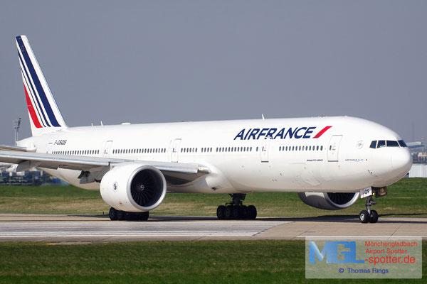 08.04.2015 F-GSQS Air France B777-328ER