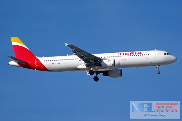 03.04.2015 EC-HUI Iberia A321-211