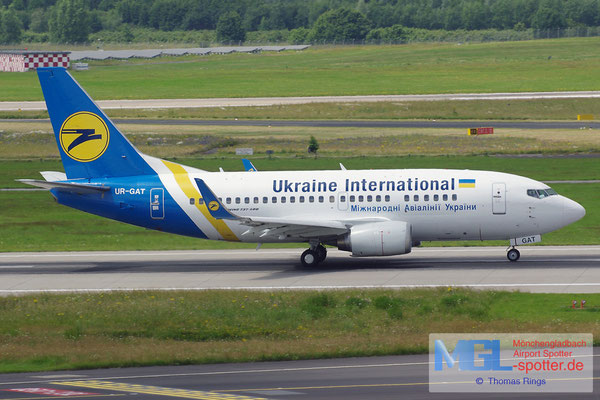 18.06.2014 UR-GAT Ukraine International B737-528/W