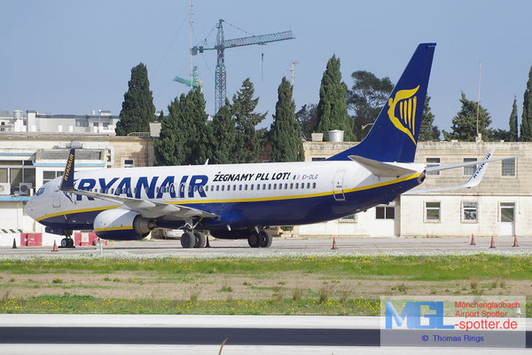 24.12.2013 EI-DLG Ryanair B737-8AS/W