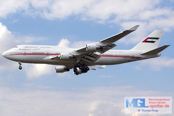 20.06.2014 A6-COM Dubai Air Wing B747-433