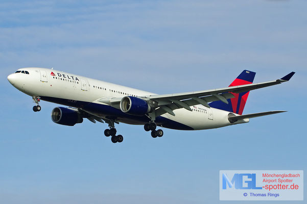 17.02.2013 N857NW Delta A330-223