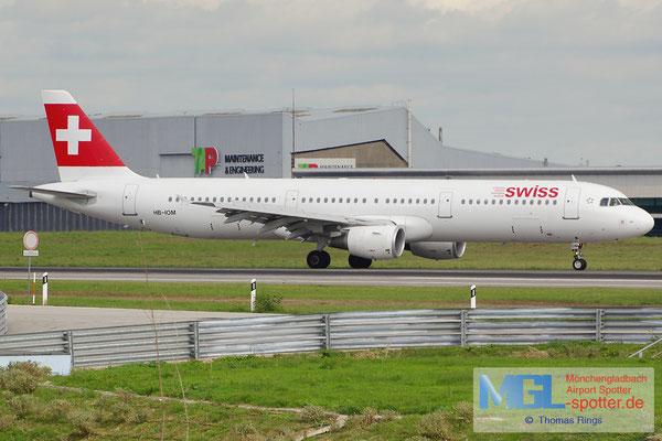 02.11.2013 HB-IOM Swiss A321-212