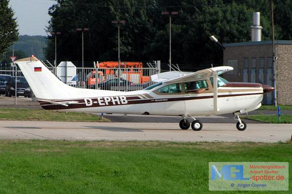 23.08.2006 D-EPHB CESSNA R182