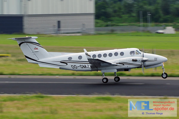10.08.2014 OO-GMJ Air Service Liege Raytheon Beech B300 King Air 350