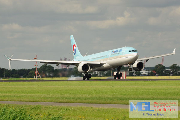 15.07.2012 HL7585 Korean Air A330-323
