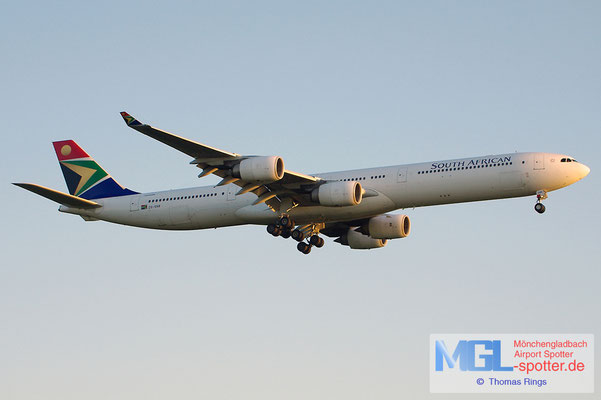 19.05.2013 ZS-SNB South African Airways A340-642