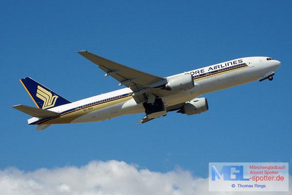 20.04.2013 9V-SVH Singapore Airlines B777-212ER