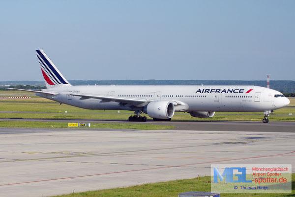 18.06.2014 F-GSQI Air France B777-328ER