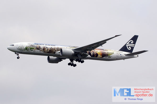 19.06.2014 ZK-OKP Air New Zealnad / The Hobbit B777-319ER