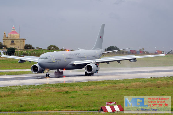 27.12.2013 ZZ333 Royal Air Force A330-243MRTT