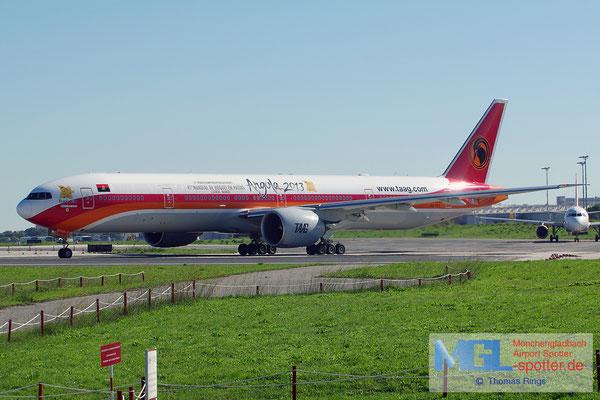 30.10.2013 D2-TEG TAAG Angola Airlines / Angola 2013 B777-3M2ER