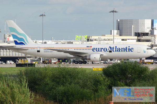 02.11.2013 CS-TFT EuroAtlantic B767-3Y0ER