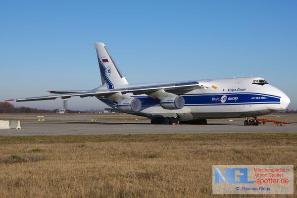 31.12.2016 RA-82074 Volga-Dnepr Airlines An-124-100