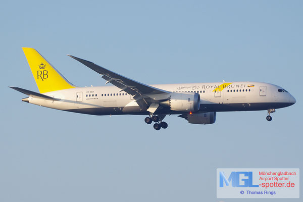 19.06.2014 V8-DLB Royal Brunei B787-8