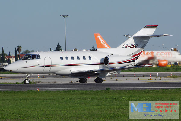 30.10.2013 CS-DRD Netjets Europe Raytheon Hawker 800XP