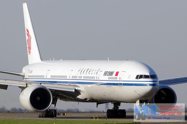 10.04.2015 B-2085 Air China B777-39LER