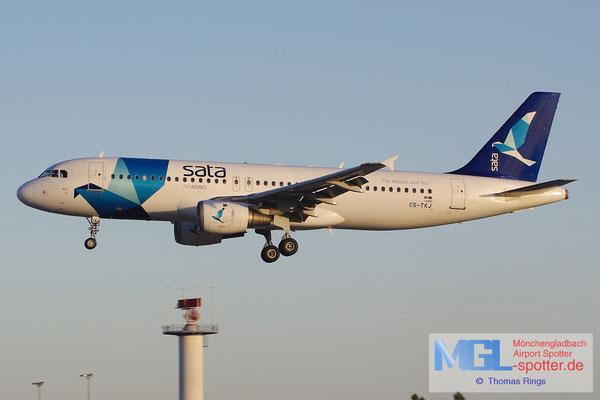 27.10.2013 CS-TKJ Sata A320-212