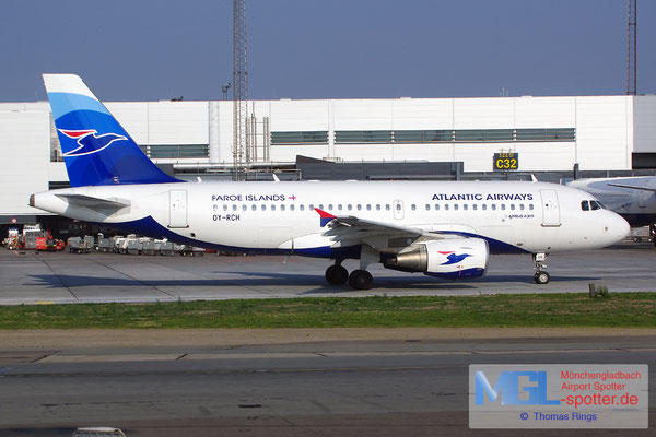 26.07.2014 OY-RCH Atlantic Airways A319-111